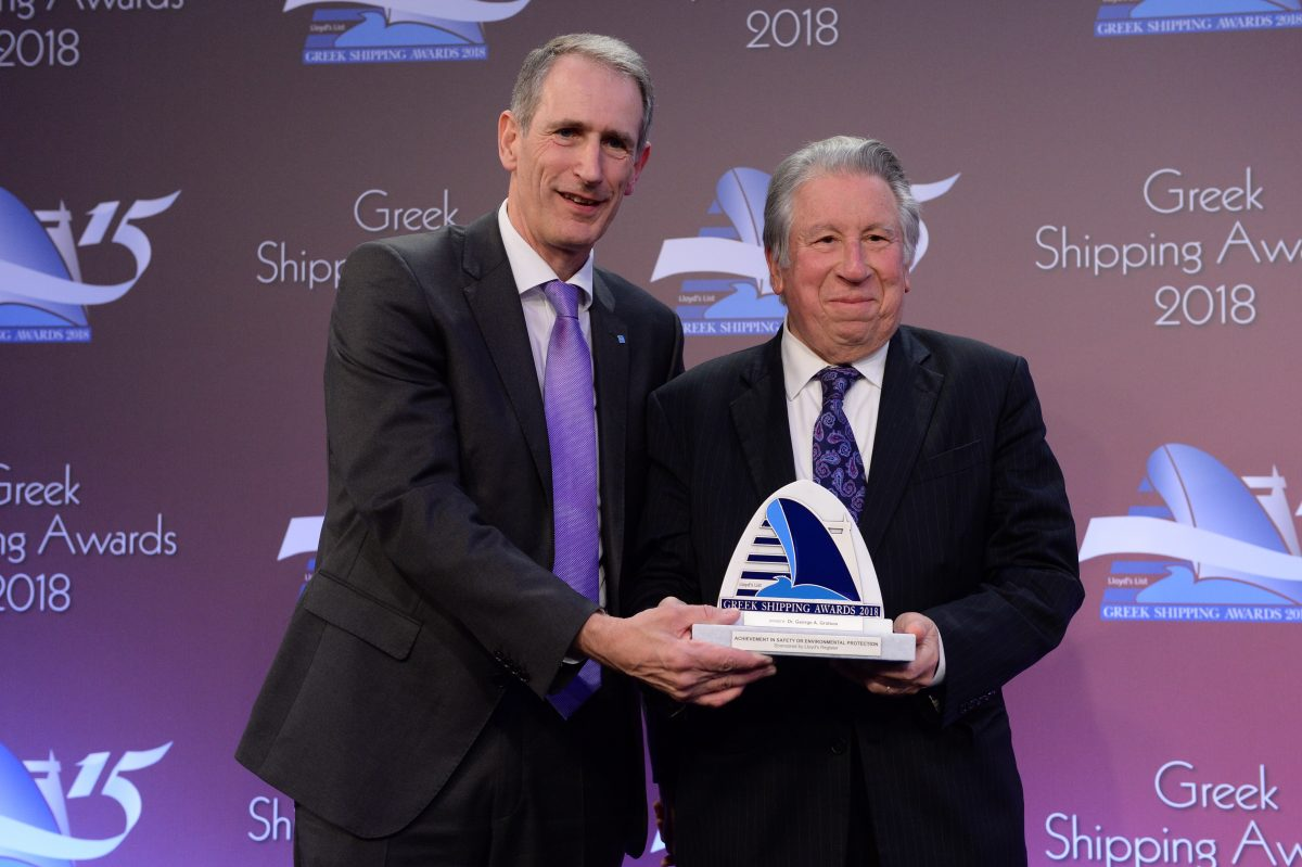 Alistair Marsh of sponsor Lloyd's Register presenting the Award for Achievement in Safety or Environmental Protection to Dr. George A. Gratsos.